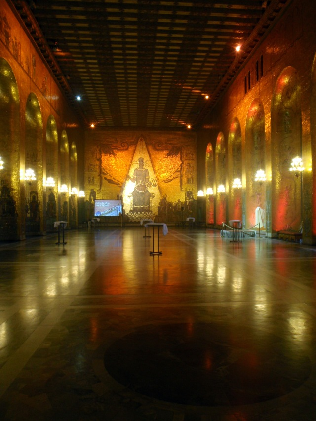City Hall: the gold room; 10 kilos of gold in 18 million glass tiles