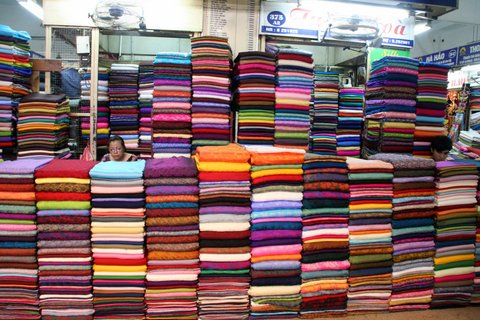 Silk for sale at the Doan Xuan market